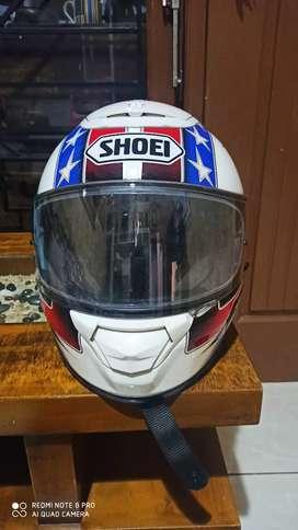 Helm Shoei Qwest