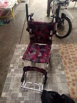 Kursi roda untuk manula dan lansia mini