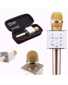 Wireless Microphone Q7 with Mic Speaker