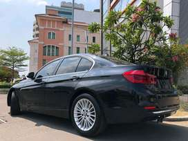 BMW 320i Luxury LCi 2018 Nik18 Black On Saddle Tan Km4000 Wrnty5Thn!!