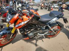Full maintained ktm Duke 200 new tyres and recently serviced