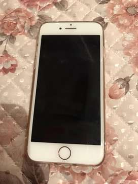 Iphone 7 128gb scratchless phone only used for 2 months