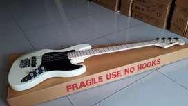 Gitar bass fender jazz cream