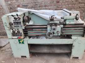 Maximat lathe machine 5.5ft