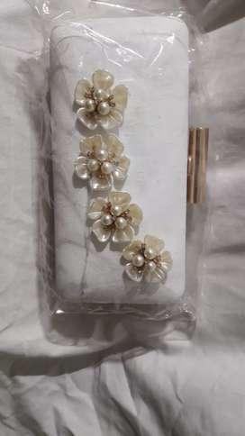 Brand new Dubai bags n clutches