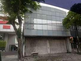 Jual murah Toko komersial di jalan besar Manyar Kertoarjo.sby.