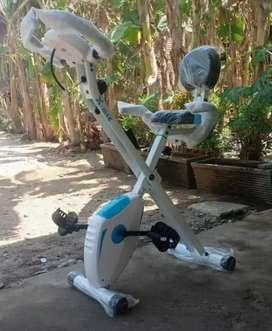 Sepeda statis x bike sandaran