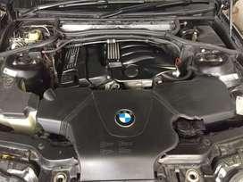Dijual segera. BMW 318i tahun 2004. Kondisi istimewa. Pribadi.