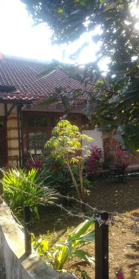 Rumah dan Tanah di Jual Lokasi Asri Sejuk, cocok untuk Villa