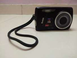 Kodak 14MP Digital Camera with battery, charger and 4GB SD Card