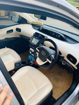 Toyota Prius 2016 Model White Leather Interior Full Business Class