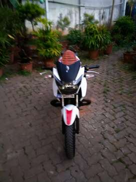 TVS Apache RTR 160cc,white and red,2018, single owner with self start