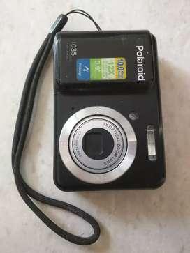 Polaroid camera in excellent condition