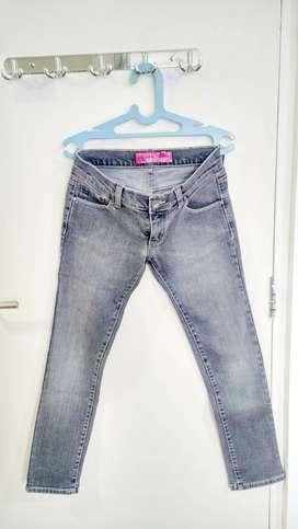 Celana Panjang Jeans Hitam - Black Jeans Trouser merk Chic Girl