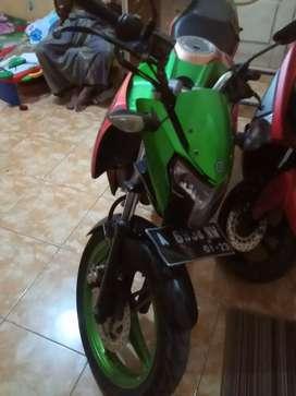 Jual motor new Vixion tahun 2013