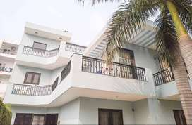 7 BHK Sharing Rooms for Women at ₹7000 in Sector 4, Gurgaon