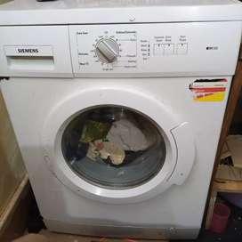 Washing machine : Siemens iQ100