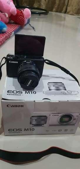 Camera Canon EOS M10