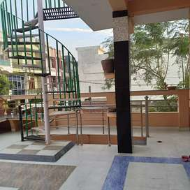 Independent 2 bhk house for girls and family...