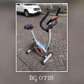 Sepeda Statis Elliptical Bike // Jumat Gym 11.54