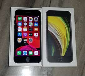 Apple iPhone SE, Black, 64 GB 15 Days Old Rs.31000.