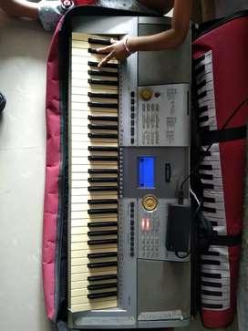 Yamaha keybord   psr295