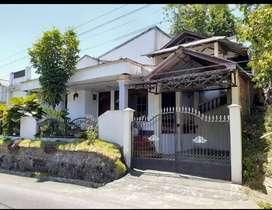 Rumah 2 lantai Pusat kota manado,  Karombasan,  jual cepat harga murah
