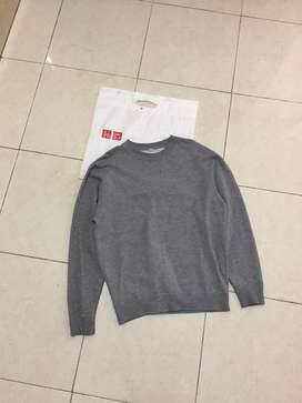 sweater uniqlo size m luar