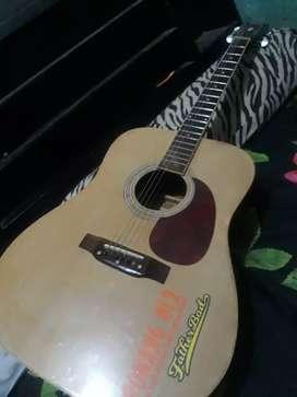 Gitar yamaha asli