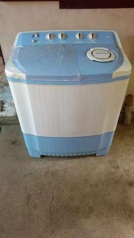 LG semi automatic washing machine (6.2 kg)