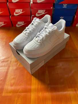 Nike Airforce 1 White