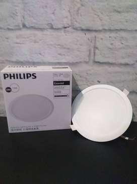 PHILIPS ESSENTIAL LED 7.5 W ERIDANI 59263
