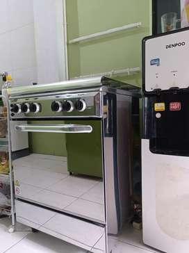 Delizia Free-standing Gas 4 Burner Cooker + Oven - Kompor 4 Tungku