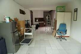 Tempat usaha gudang murah di garasi rumah Cipete Jakarta Selatan