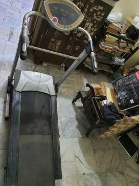 Treadmill Rs 12000