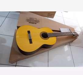 Gitar Yamaha akustik klasik C315