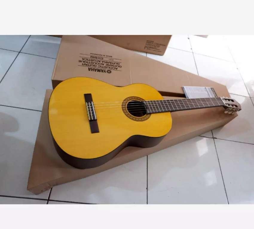 Gitar Yamaha akustik klasik C315 0
