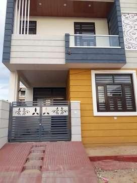 Well furnished 100 gaj duplex villa for sale