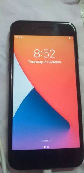 I phone 7 black 32Gb nice mobile