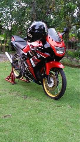 Ninja RR merah SE