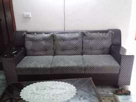 Seven  seater sofa set very urgently sale