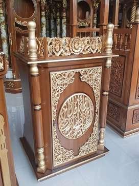Mimbar masjid musholla Nurul Musthofa Kudus