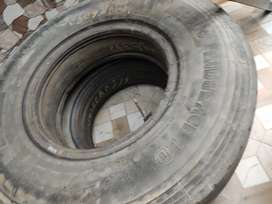 Truck used radial tyres