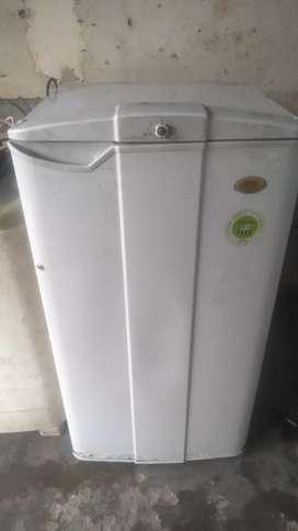Godrej freez 165 लीटर 3800 रुपये
