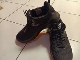 Jual sepatu Adidas alphabounce uk 40