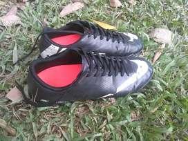 Jual Sepatu Putsal
