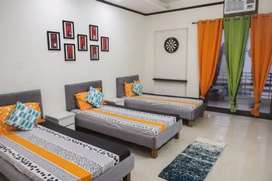 No brokage male pg furnish with ac room atech 7500 sv road Malad West