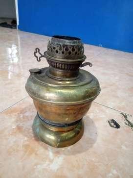 Lampu antik pakai minyak tanah