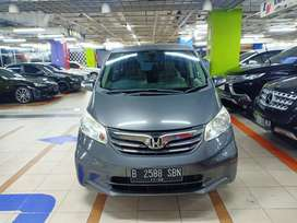 Honda Freed PSD Automatic 2012 good condition