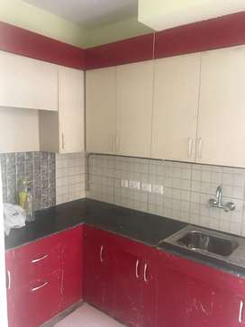 2bhk semi-furnished flat available in 10k